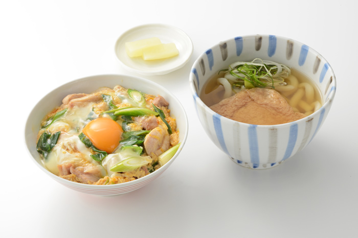 「関西ウォーカー」に「親子丼&小きつね」が掲載されました!