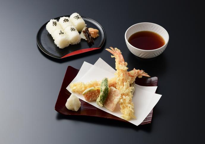 天ぷらとおむすび